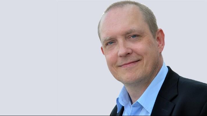 Karsten Hutzler - Customer Relation Management